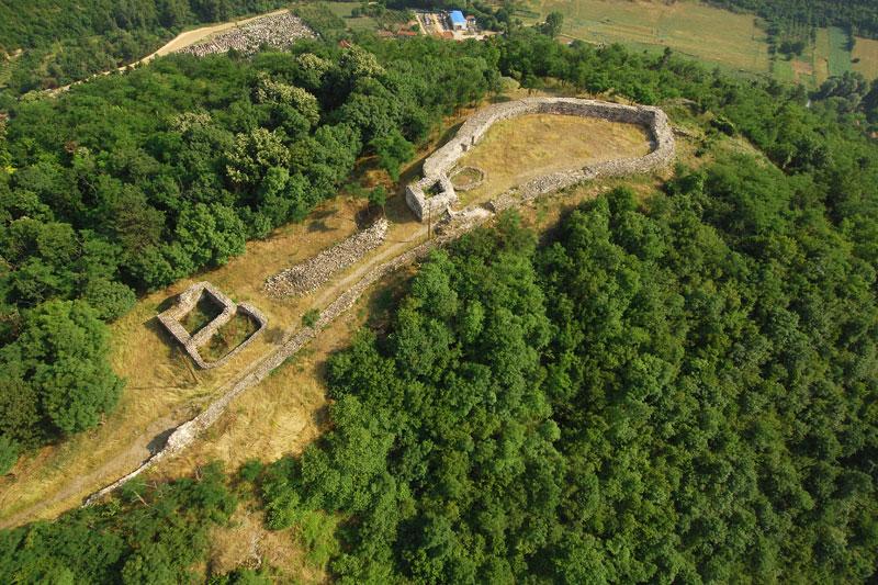 Obnova srednjovekovne tvrđave na brdu Hisar u Prokuplju