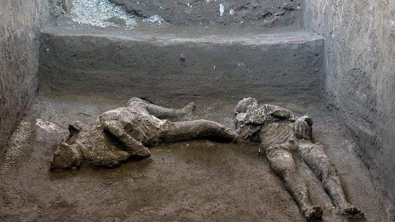 Novo otkriće u Pompeji-gospodar i sluga stradali u  erupciji vulkana Vezuv