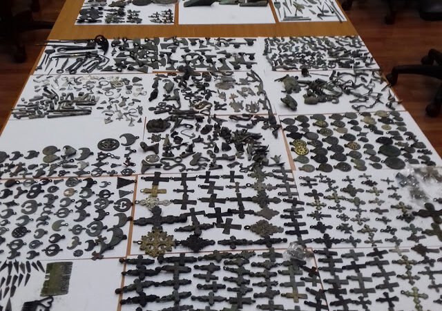 Srpski carinici pronašli su u kamionu više od 2,000 ukradenih artefakata!